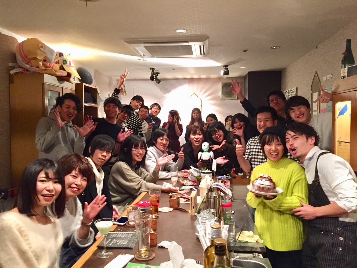 名古屋栄で友達作りができるバー。一人飲みの女性も・理系も交流しようぜ!